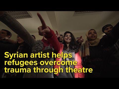 مخرج سوري شاب يجمع بين اللاجئين والسكان المحليين في مصر من خلال الدراما